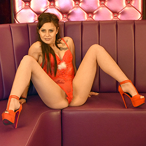 High Class Escort Teenie Akseniya in Berlin Super Sex Service Top Figur