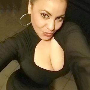 Escort Domina Berlin Barbara riesen Brüste diskrete Haus Hotel Sex Bestellungen
