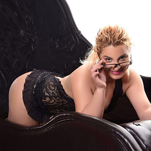 Escort Patricia Erotic She Is Looking For Him In Berlin For Sex In The Hotel House