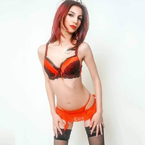 Teenie Hobbynutte Berlin Susanna super dünn Sex buchen über die Escortagentur