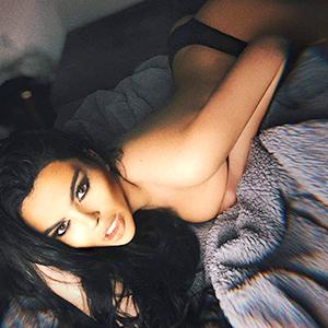 Privatmodell Suzan sucht Sexkontakte über Berliner Modelagentur bietet Top Escortservice