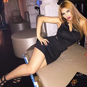 Verruchtes Escort Girl Tanay liebt Anal Sex in verschiedenen Orten von Berlin