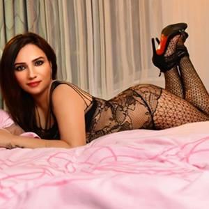 Yasmin Top Prostitute Offers Buyer's Love At Escort Berlin Agency